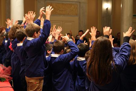 esibizione coro alunni
